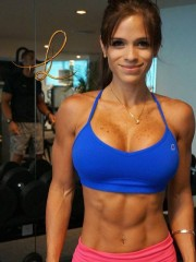 Chica fitness Michelle Lewin muy sexy