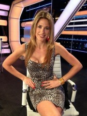 Fotos hot de Alina Moine la conductora de Central Fox