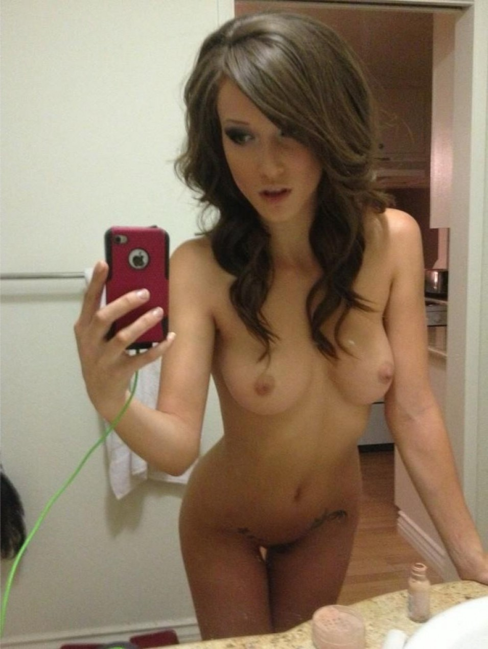 from Maison iphone topless teen pics